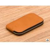 bellroy phone pocket caramel